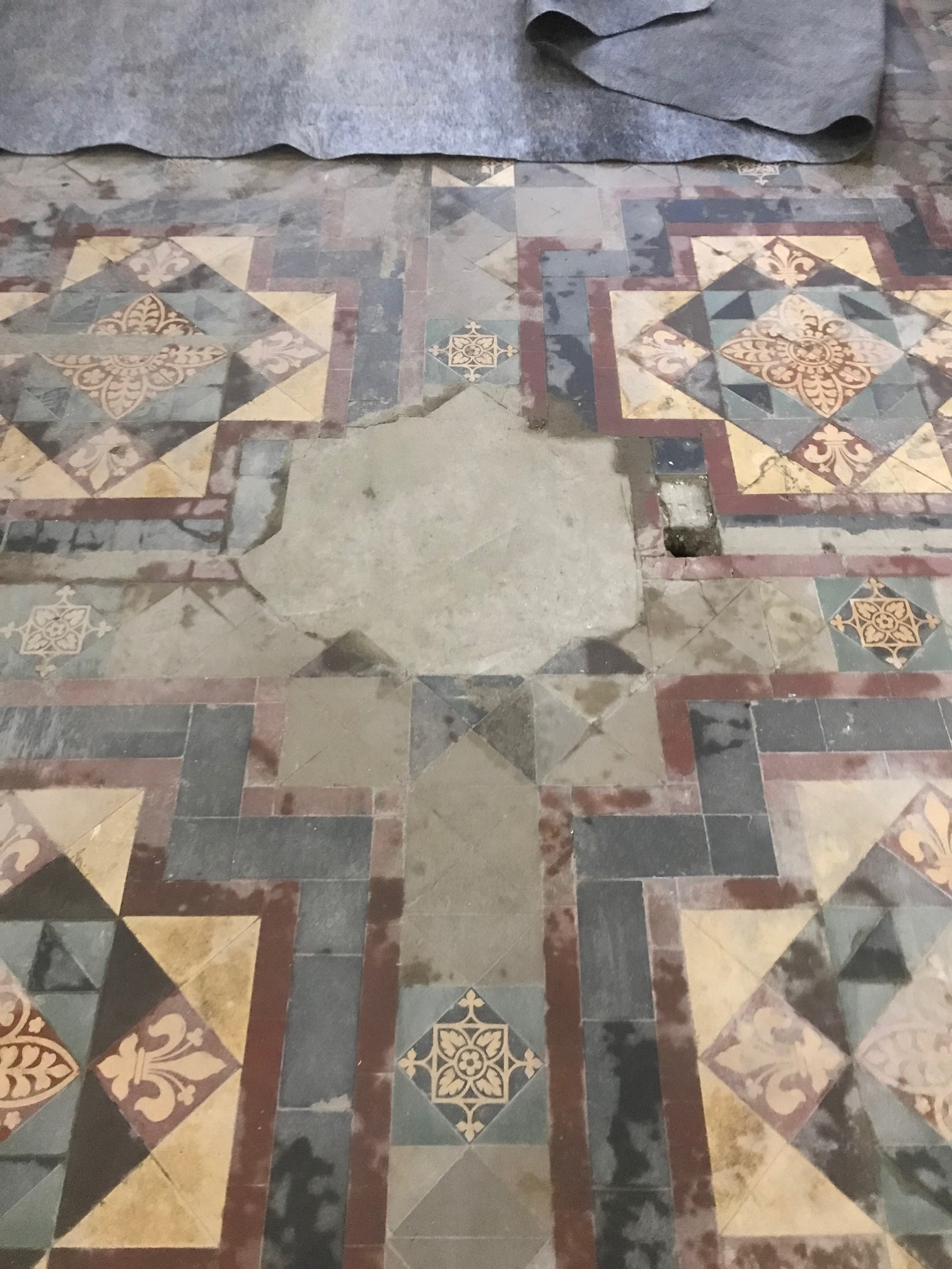 Victorian Tiled Stone Cross Manor Hall Before Restoration