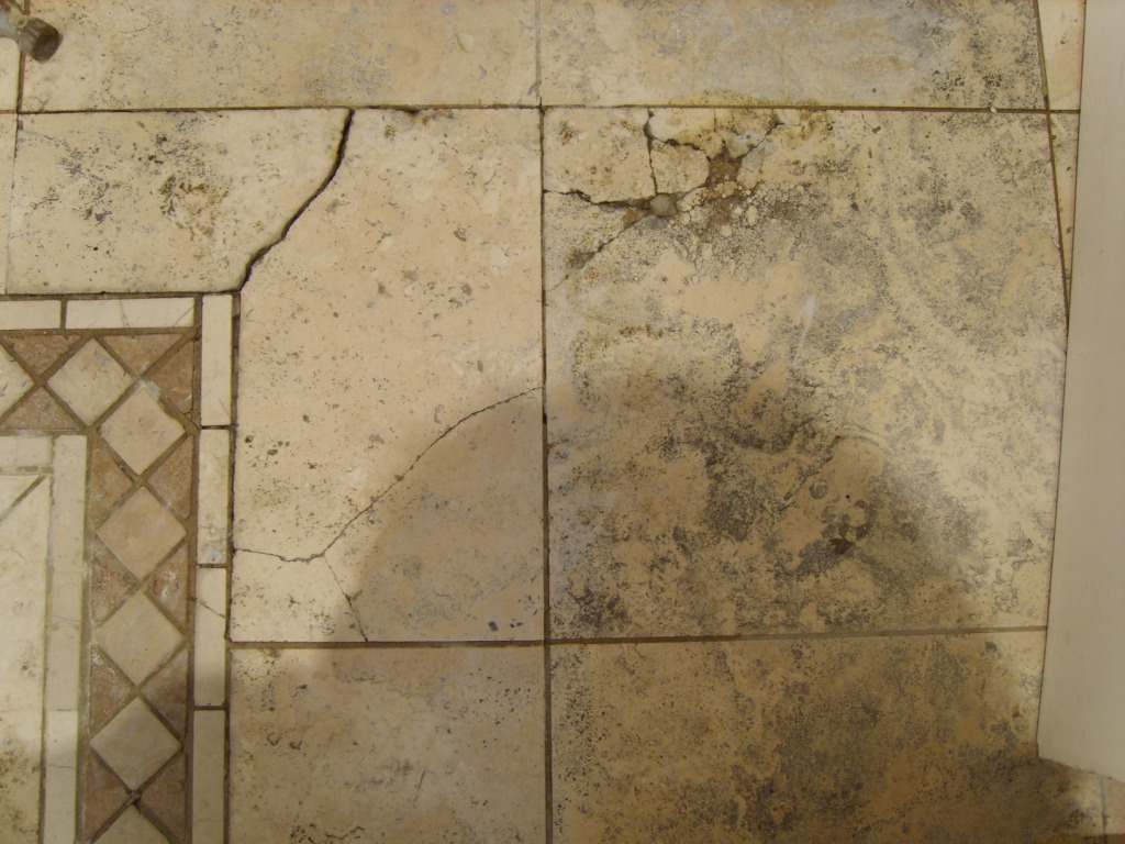 Cracked Dirty Travertine Tile
