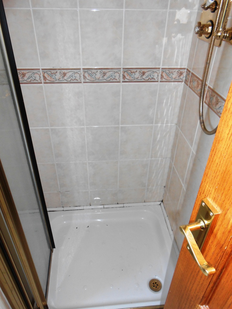 Shower Cubicle Silverdale Before