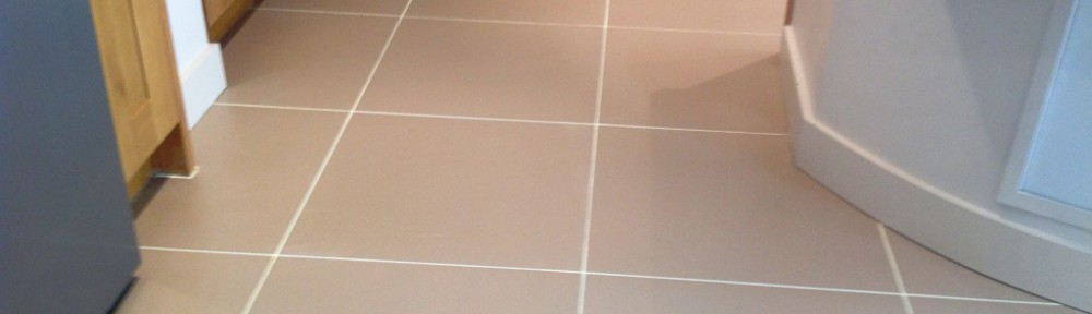 Grout Colouring porcelain tiled kitchen floor in Leyland
