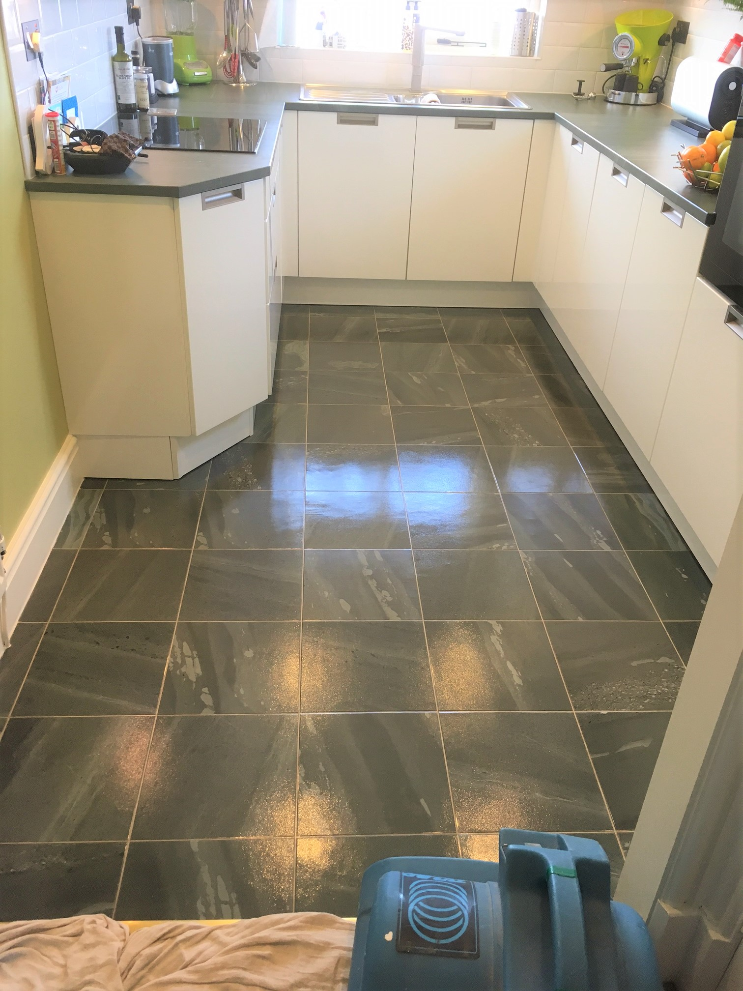 Amtico kitchen floor cleaned and sealed in lancashire for Can you seal vinyl flooring